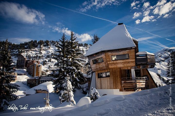 Une architecture à découvrir au coeur d'Avoriaz © Sébastien TORCHIO, www.Annecy.Photo