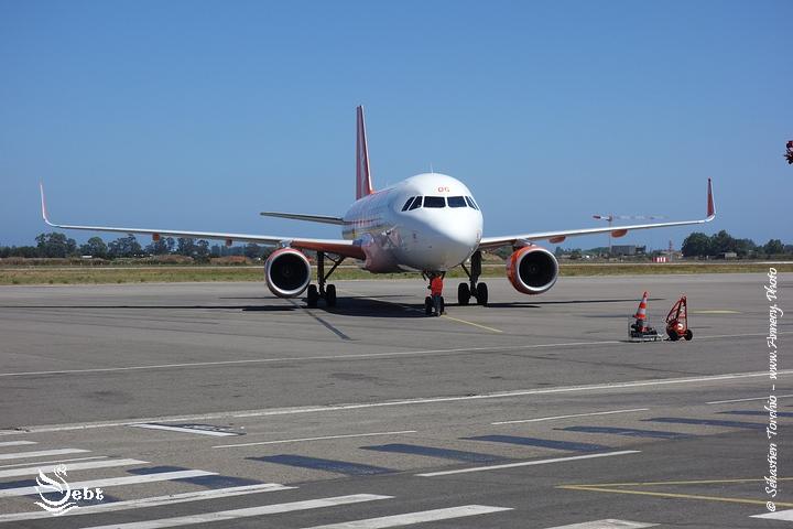 Arrivée sur le tarmac de l'aéroport Napoléon Bonaparte d'Ajaccio © Sébastien TORCHIO, www.Annecy.Photo