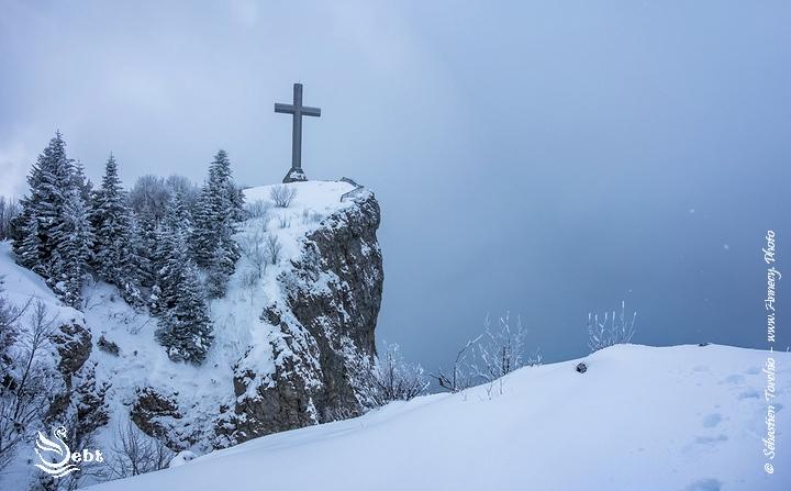 Croix du Nivolet dans les Bauges - © Sébastien TORCHIO, www.Annecy.Photo