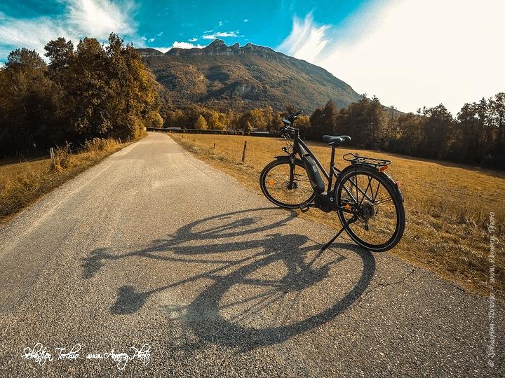 Visite des vignobles de Savoie en vélo © Sébastien TORCHIO, www.Annecy.Photo