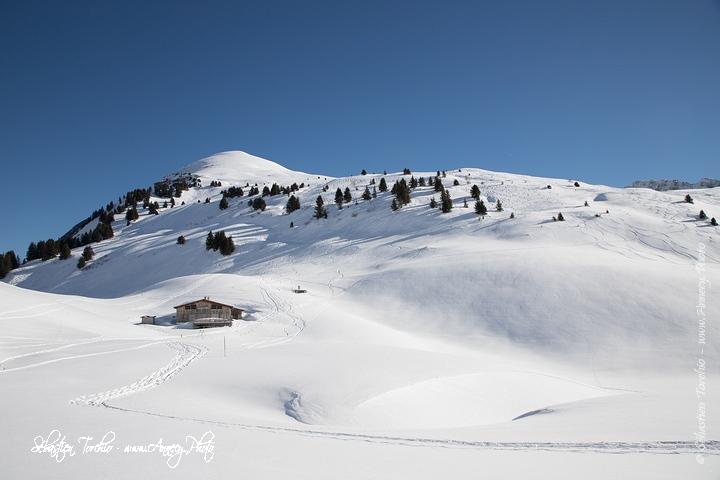 Refuge de la Golèse et Tete de Bostan © Sébastien TORCHIO, www.Annecy.Photo