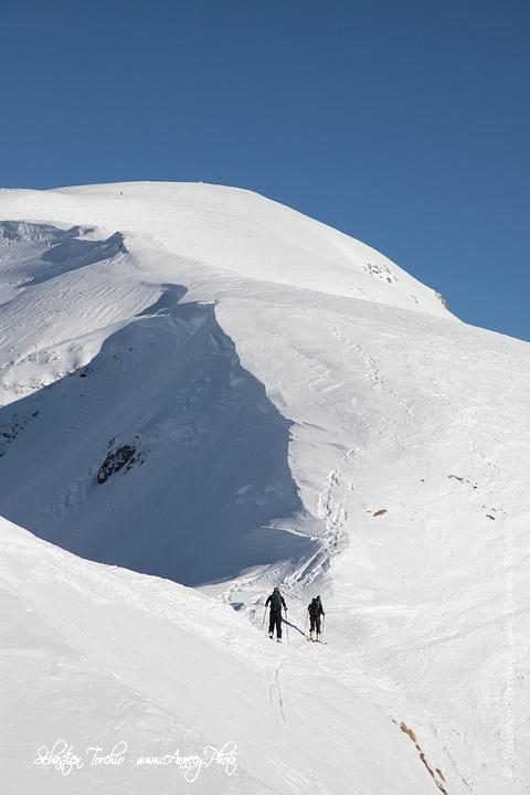 Skieurs de Randonnée vers la Tete de Bostan © Sébastien TORCHIO, www.Annecy.Photo