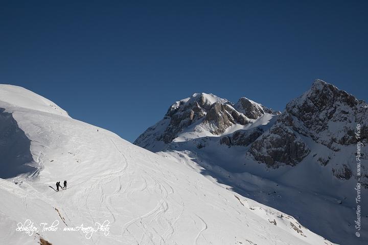 Ski de Randonnée vers les Dents Blanches © Sébastien TORCHIO, www.Annecy.Photo