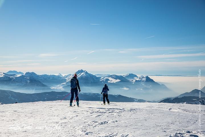 Skieurs de Randonnée et Panorama sur le Haut Giffre © Sébastien TORCHIO, www.Annecy.Photo