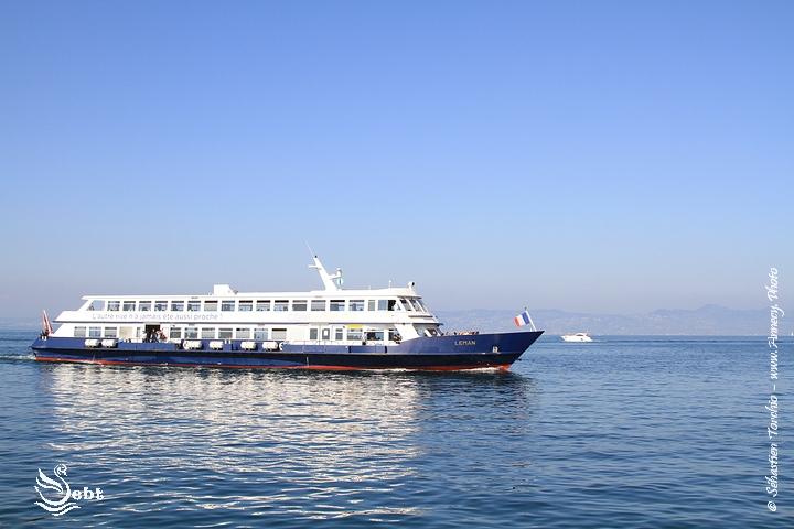 bateau de la compagnie GGN au large d'Evian © Sébastien TORCHIO, www.Annecy.Photo