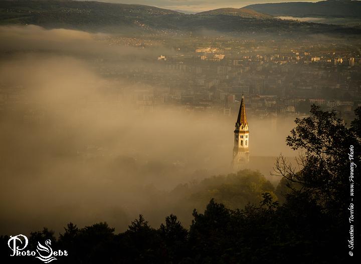 La Visitation sort du brouillard - © Sébastien TORCHIO