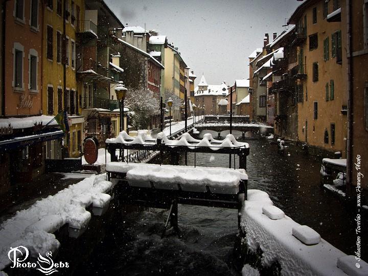 Les vannes de la veille ville d'Annecy - © Sébastien TORCHIO, www.Annecy.Photo