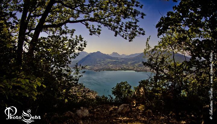 Panorama du Lac d'Annecy depuis le Mt Veyrier  - © Sébastien TORCHIO, www.Annecy.Photo